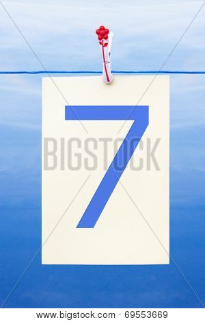 Seamless Washing Line With Paper Showing The Number 7
