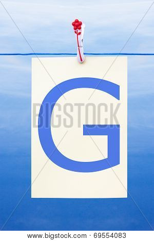 Seamless Washing Line With Paper Showing The Letter G