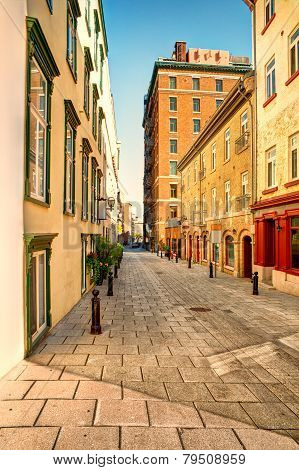 Old Quebec Street