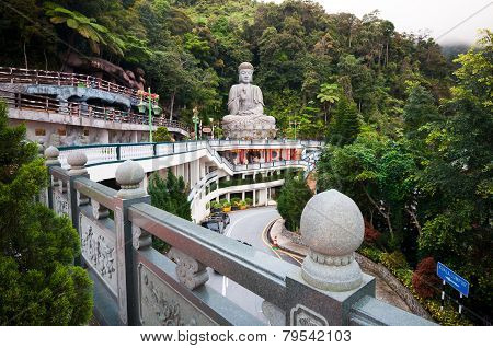 Large Stone Buddha Statue At Chin Swee Caves Temple