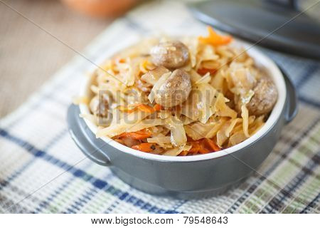 Braised Cabbage With Mushrooms