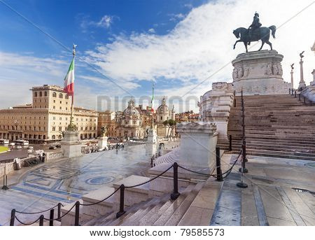 Vittorio Emanuele monument (Tomb of unknown soldier) in the city of Rome in Italy.