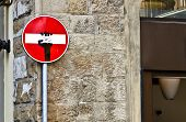 picture of no entry  - A funny No Entry Sign on a street in Florence Italy - JPG
