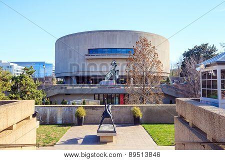 Hirshhorn Art Museum
