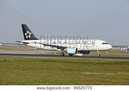 Frankfurt Airport - Airbus A320-214 Of Austrian Airlines Takes Off