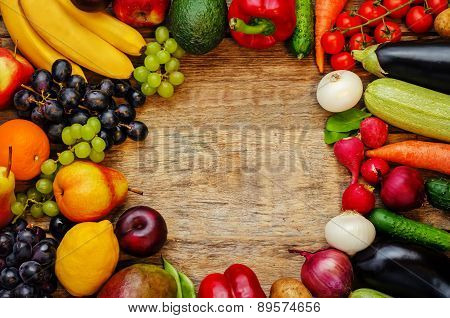 Tomatoes, Potatoes, Eggplant, Zucchini, Onion, Carrot, Radish, Cucumber, Tomato, Peppers, Spinach, B