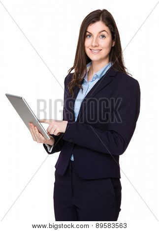Caucasian businesswoman use of tablet