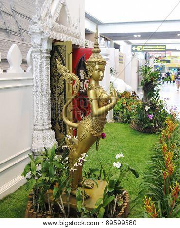 BANGKOK, THAILAND - OCTOBER 18, 2013: interior of airport Don Mueang.