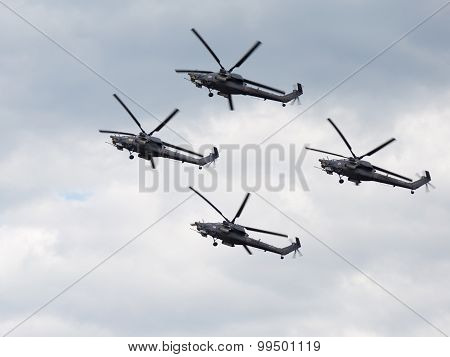 Mi-28 Demonstrates Aerobatics