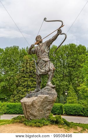Aresh the Archer statue in park