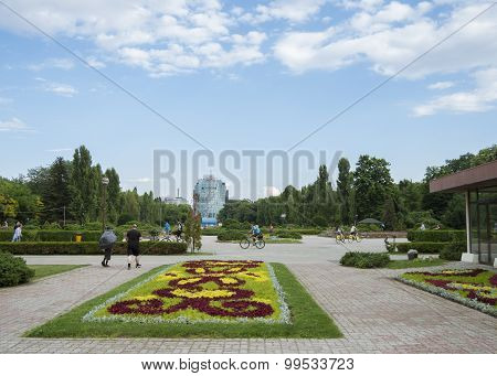 View of Herastrau park
