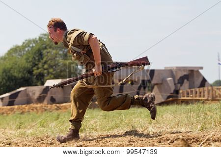 Running infantryman