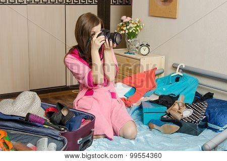 Girl Photographs, Going On Vacation