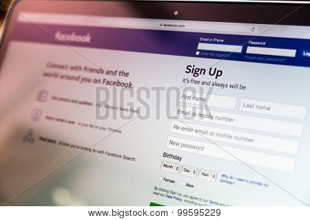 Loei, Thailand - August 12, 2015: Laptop with application for Facebook on the screen