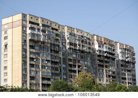 Large obsolete residential block