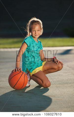 photo of girls playing basketball № 17634