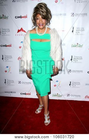 LOS ANGELES - OCT 25:  Mary Wilson at the Internation Film Fashion Awards at the Saban Theater on October 25, 2015 in Los Angeles, CA