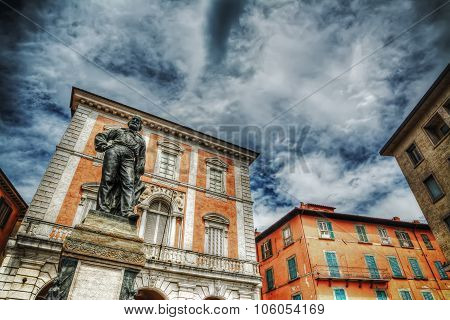 Giuseppe Garibaldi Statue In Pisa