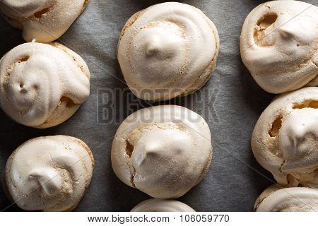 Baked White Meringues