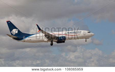 MIAMI, USA - November 1, 2015: Boeing 737 Aeromexico landing at Miami International Airport. Aeromex