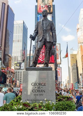 NEW YORK,USA - AUGUST 14,2015 : The George M Cohan Statue at Times Square in New York City