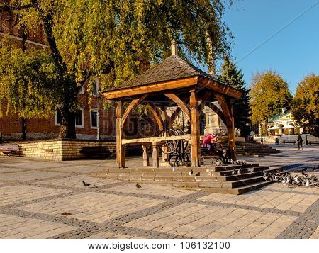 Sandomierz, Poland 16 October, 2015 .: Peace And Rest On The Old Town Square In Sandomierz