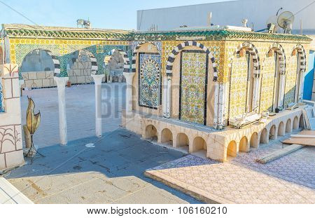The Tiled Archs