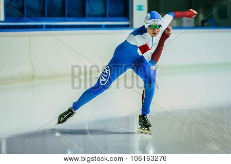 starting acceleration athlete speed skaters