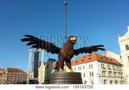 Gigantic marionette Eagle