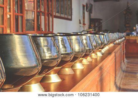 Row Alms Bowl