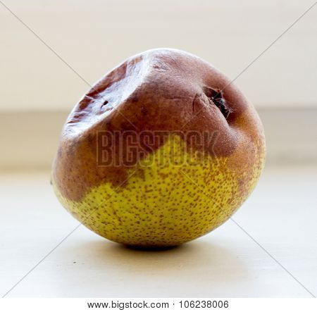 The vegetable yellow rotten Pear.
