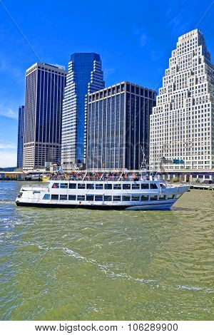 East River Ferry Boat Heading In Midtown Manhattan