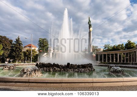 Fountain And Soviet War Memorial In Vienna