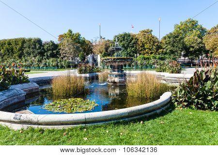 Volksgarten Public Park In Vienna