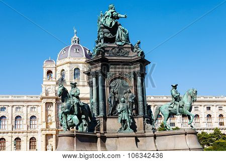 Maria Theresa Statue And Naturhistorisches Museum