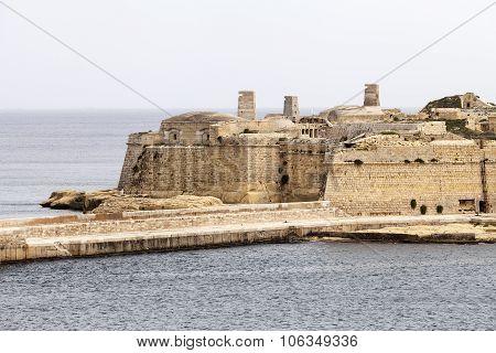 Fort Saint Elmo In Malta Capital - Valletta