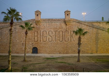 The Walls At Sunset, Acre