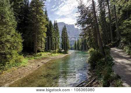 Braies Lake path