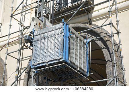 External Elevator