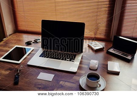 Digital tablet and laptop computer with blank copy space for text message