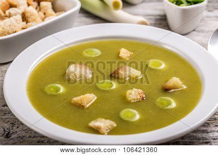 Fresh Green Leek Soup