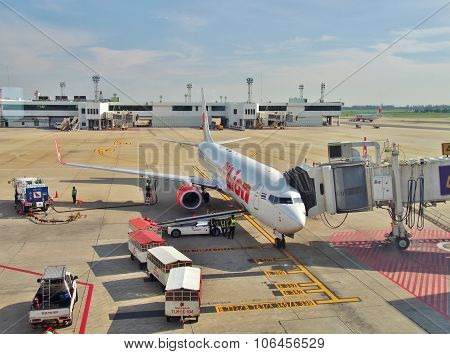 Thai Lion Air's Boeing 737-900 parked at Don Mueang International Airport