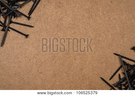 Screws diagonally of the wood plate