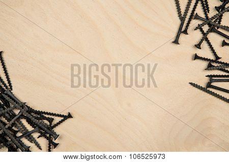 Screws on diagonal of plate