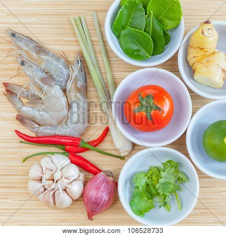 Ingredients Of Thai Spicy Soup Tom Yam Kung , Big Shrimp ,lime, Lemon Grass And Tomato For Favourite