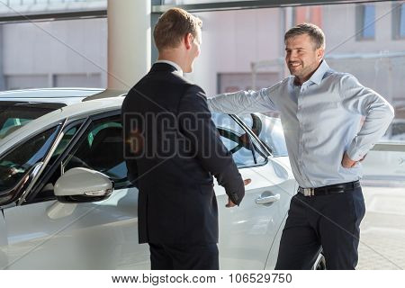 Car Showroom Client