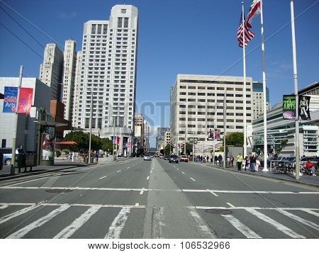 Cars Move Along Busy Howard Street In The Heart Of San Francisco