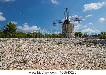 Daudet's Windmill - Fontvielle (france)
