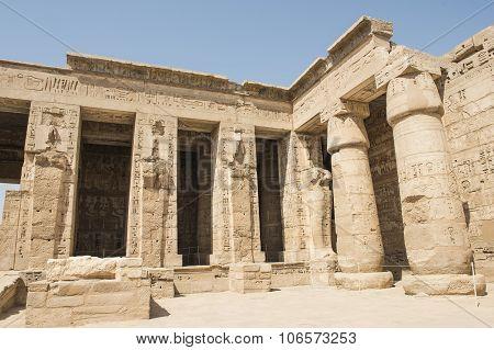 Statues In The Temple At Medinat Habu