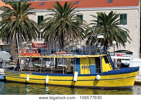 Yellow water taxi in Croatia